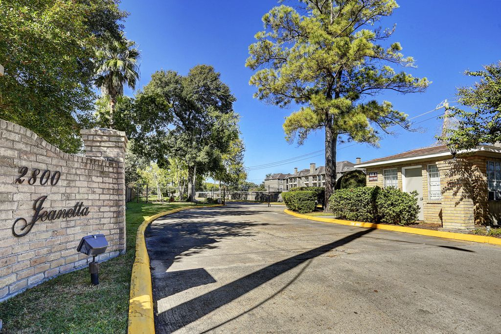One Orleans Place at 2800 Jeanetta St., Houston, TX 77063