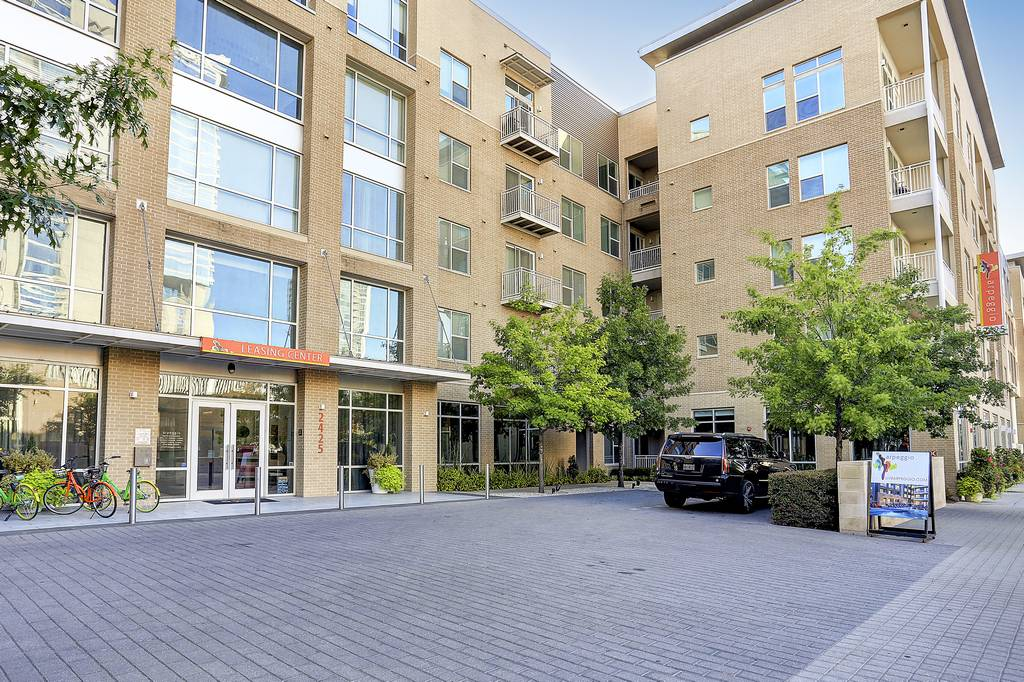 Apreggio Apartments at 2425  Victory Ave, Dallas, TX 75219