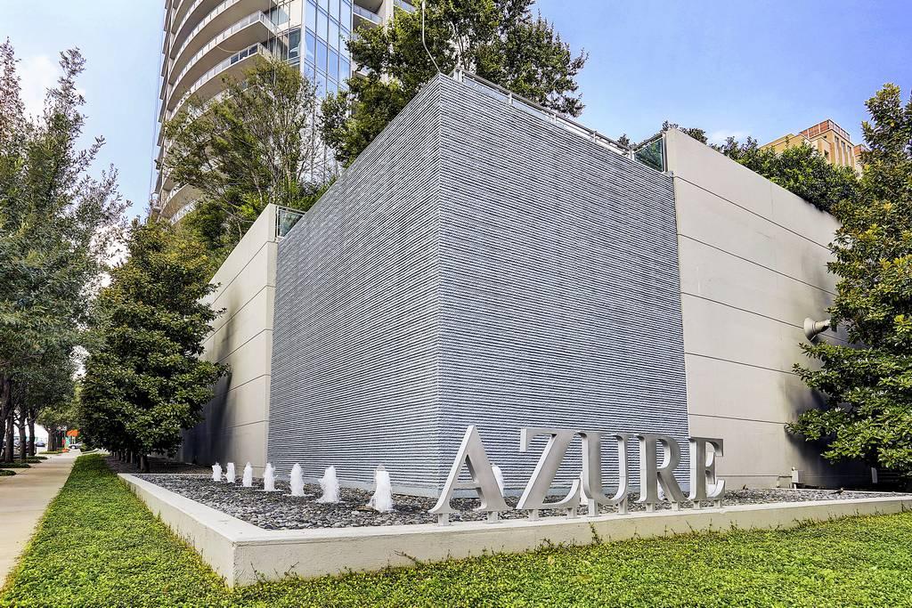 Azure Condominiums at 2900  Mckinnon St, Dallas, TX 75201
