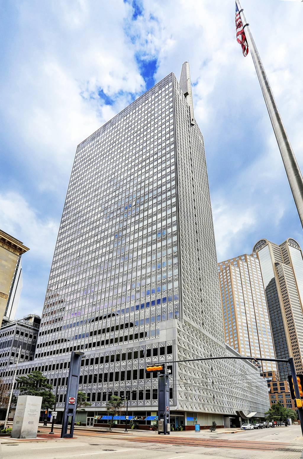 Gables Republic Tower Apartments at 350  N Ervay St, Dallas, TX 75201