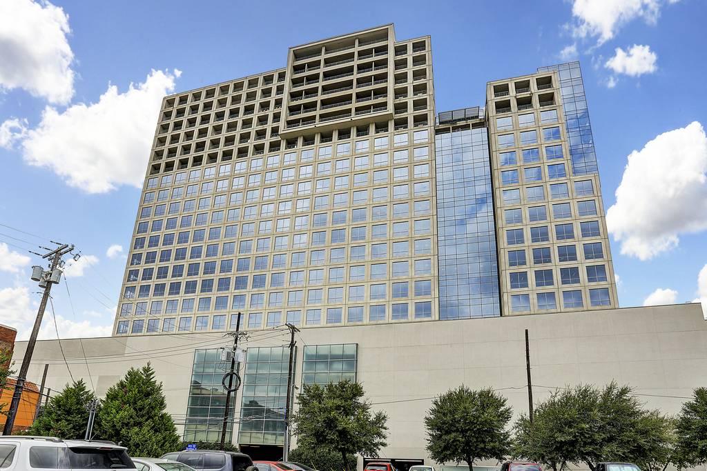 One Arts Plaza at 1717  Arts Plaza, Dallas, TX 75201