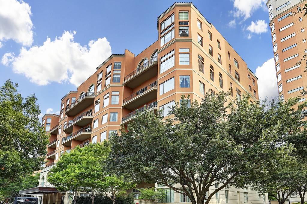 Plaza One Condominiums at 3535  Gillespie St, Dallas, TX 75219