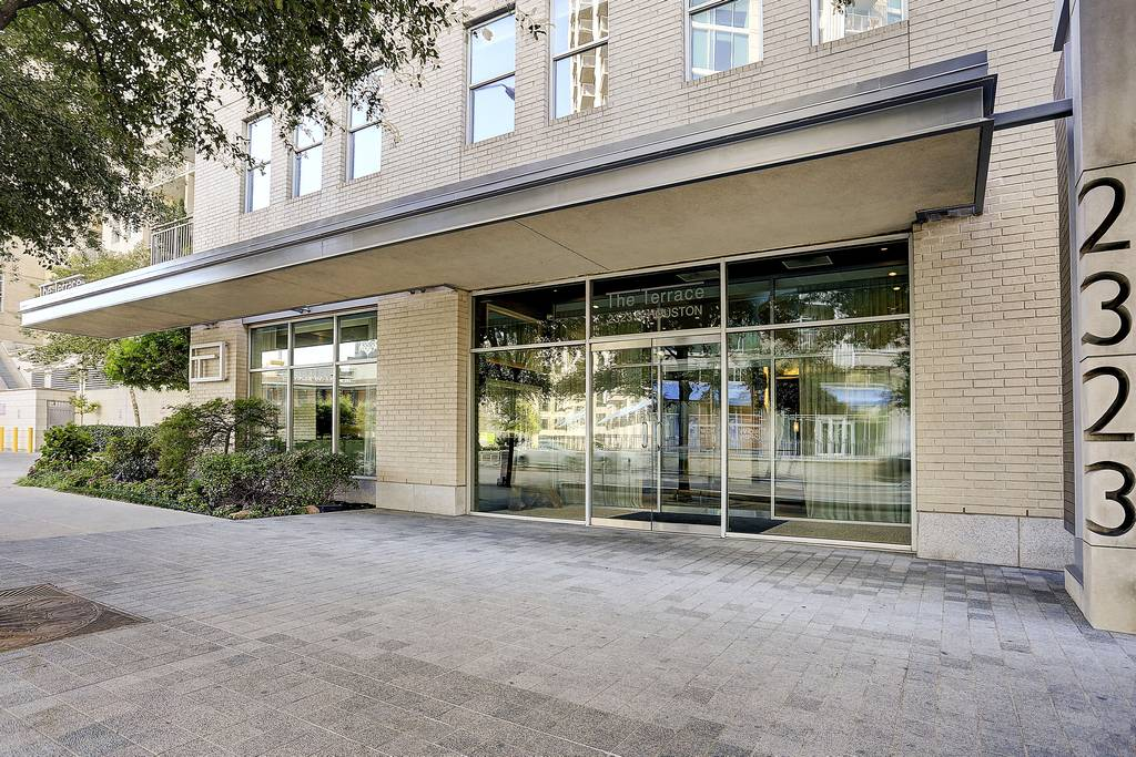 Terrace Condominiums at 2323  N Houston St, Dallas, TX 75219