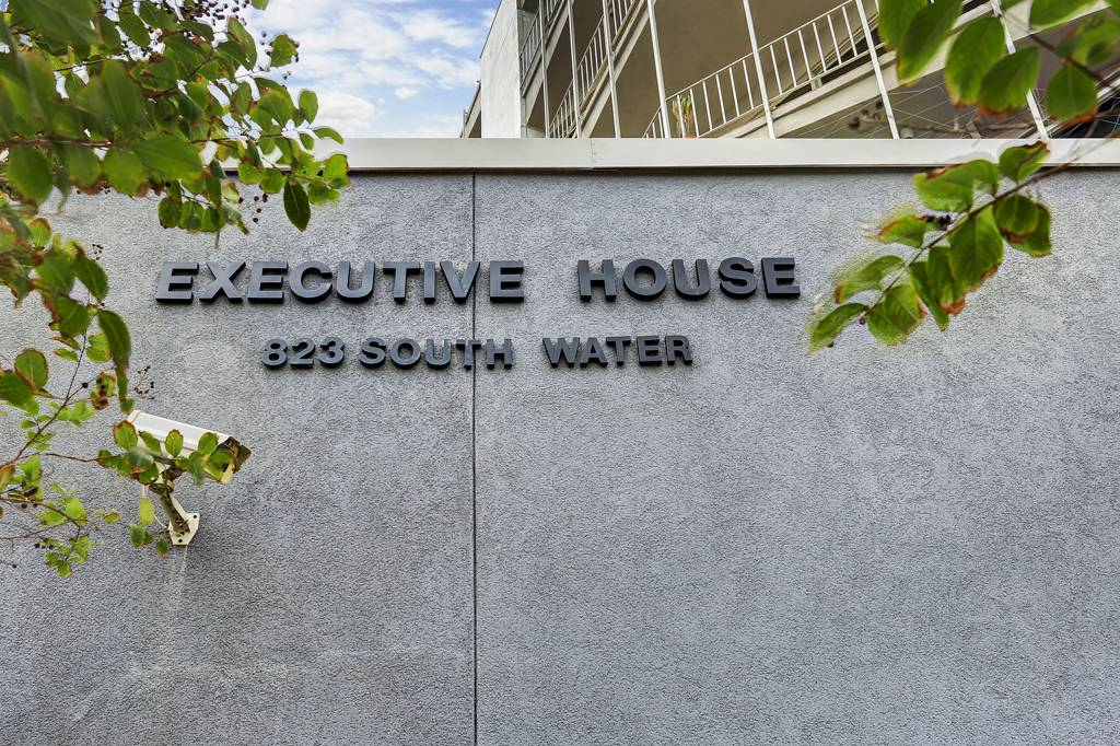 Executive House at 823  Water St, Corpus Christi, TX 78401