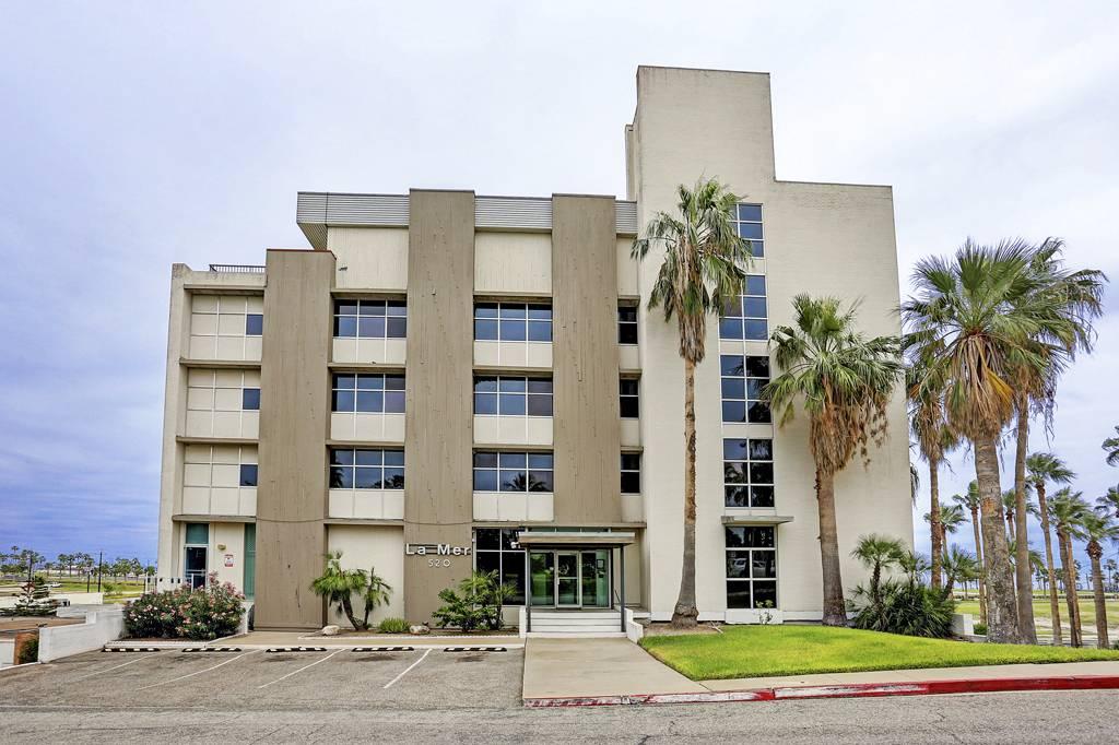 La Mer Condominiums at 520  S Chaparral St, Corpus Christi, TX 78401