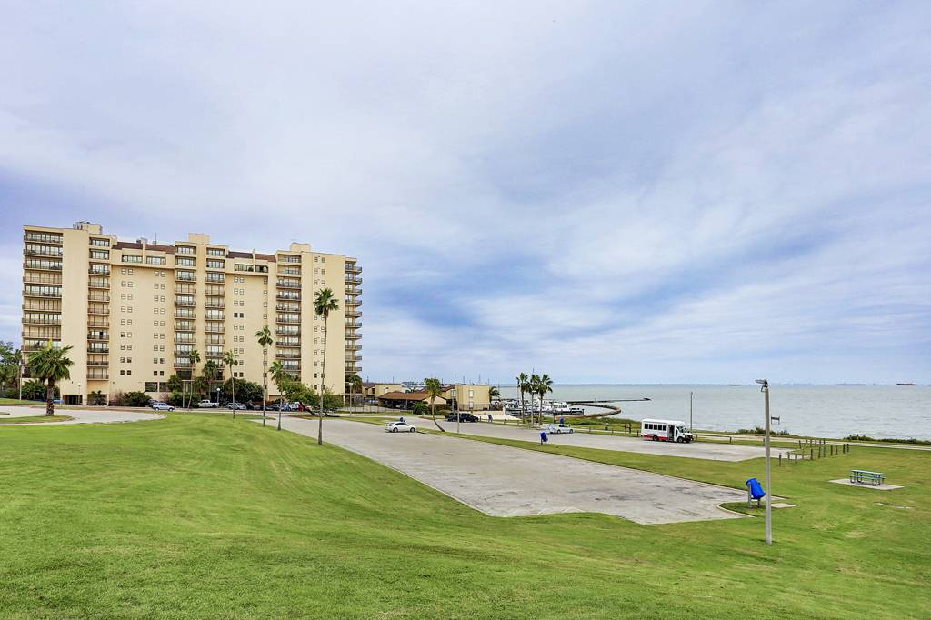 Marina Del Sol at 1400  Ocean Dr, Corpus Christi, TX 78404