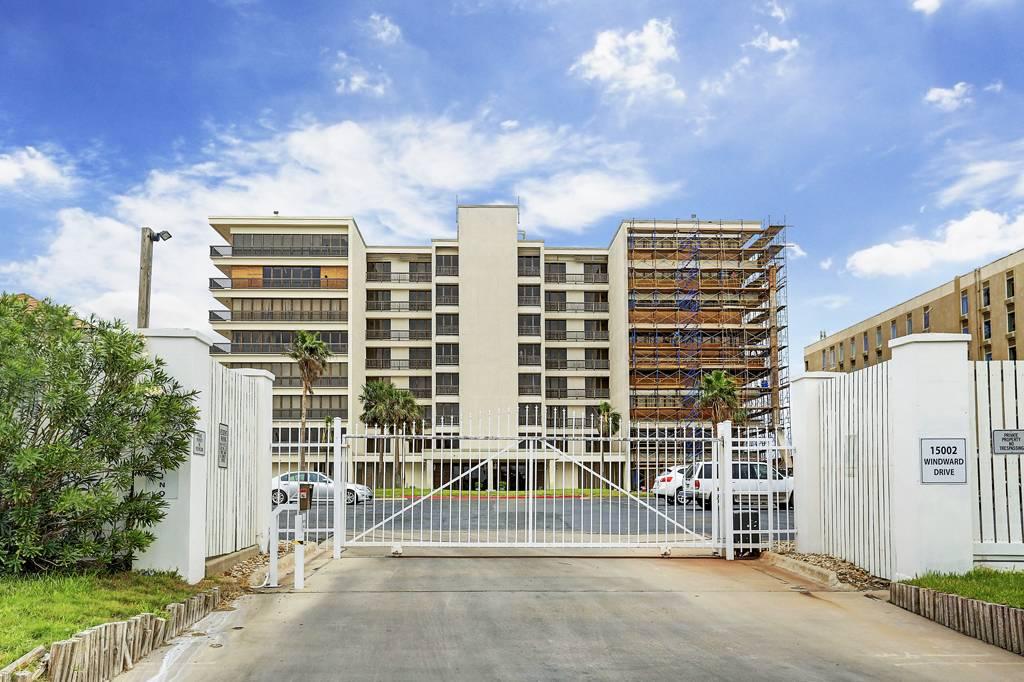 Portofino Condominiums at 15002  Windward Dr, Corpus Christi, TX 78418