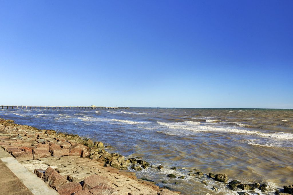 Ocean Grove Condominiums at 9420 Seawall Blvd., Galveston, TX 77554