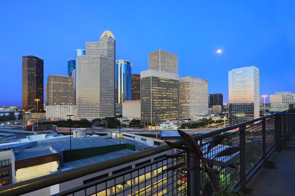 Rise Lofts at 2000 Bagby, Houston, TX 77002