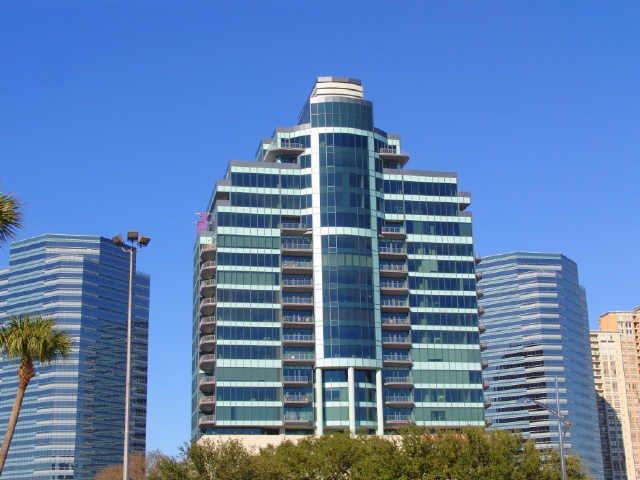 Cosmopolitan at 1600 Post Oak Blvd, Houston, TX 77056