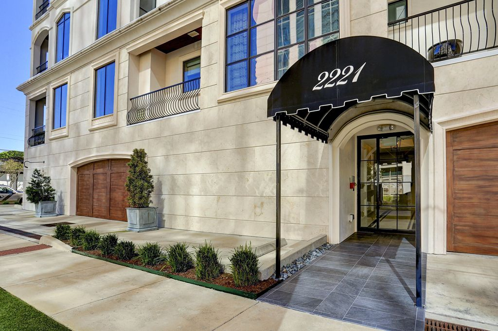 Chateau Ten - Welch at 2221 Welch, Houston, TX 77019