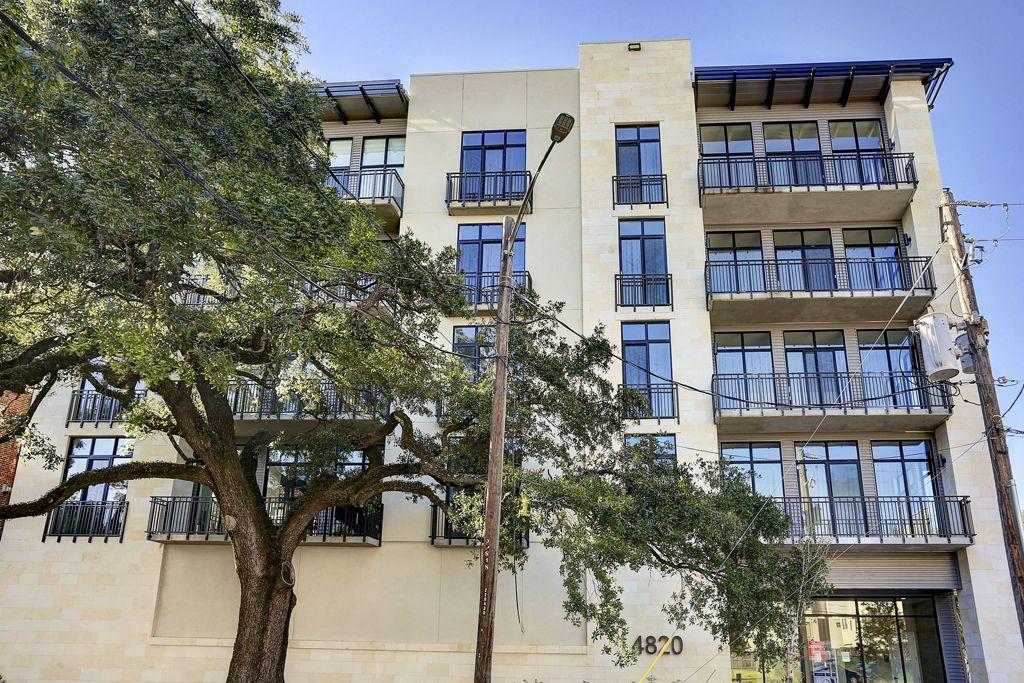 Oaks on Caroline at 4820 Caroline St, Houston, TX 77004