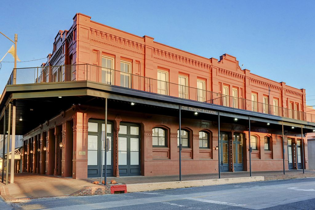 The Strand Lofts at 2402 Mechanic St, Galveston, TX 77554
