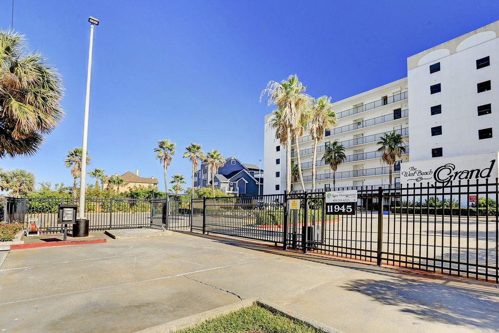 West Beach Grand at , Galveston, TX 77554