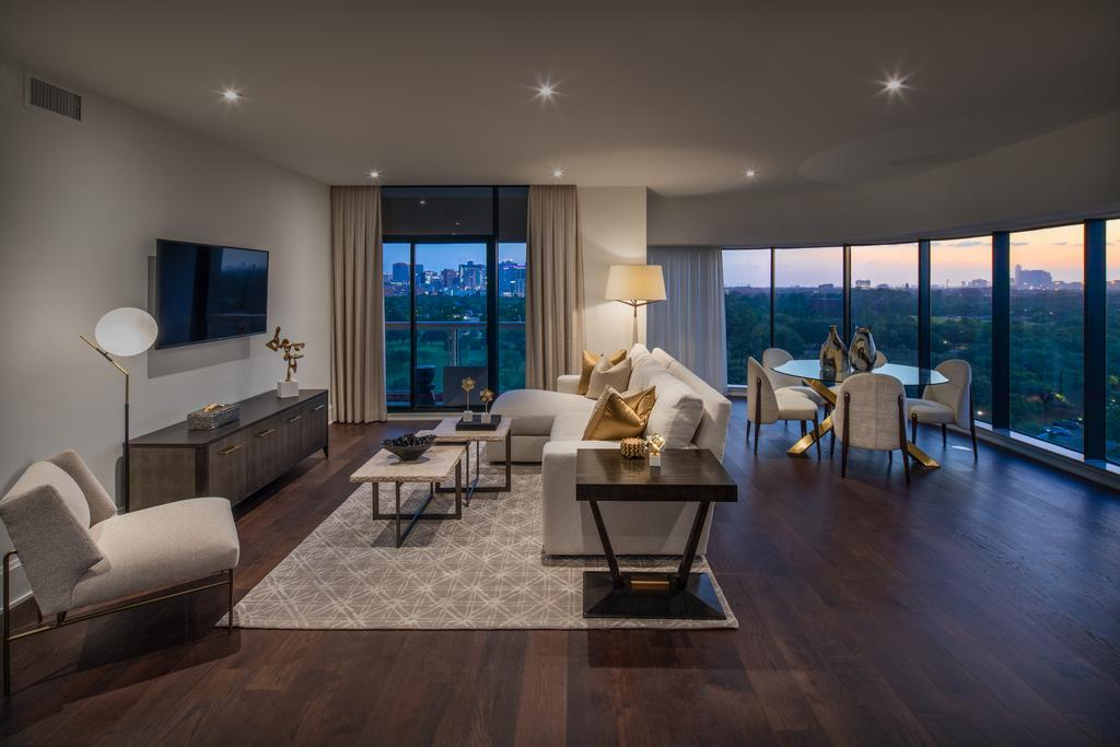 Parklane Condominium at 1701 Hermann, Houston, TX 77004