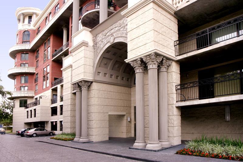 Manhattan at 3030  Post Oak Blvd, Houston, TX 77056