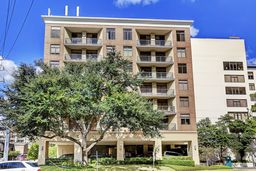 The Campton At Post Oak